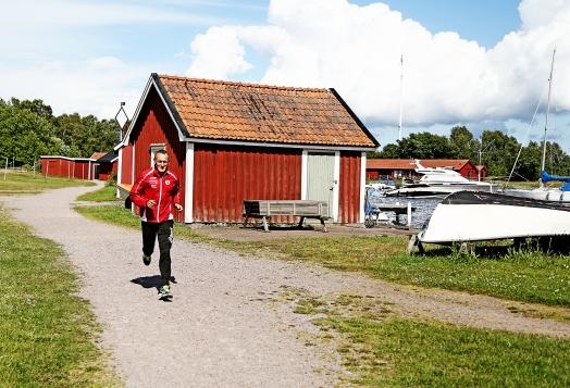 Mellan Kalmarsundsparken och Stensö ligger Fiskebodarna och en liten pittoresk gästhamn.