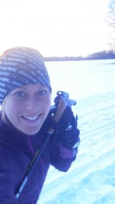 I veckan testade jag det där med längdskidor. Skidorna var väldigt bar tror jag. men frågan är hur långt himpaspårets 2 km räcker för att komma någonstans i denna sport. Antagligen inte så långt. Men det var en fin solnedgång.