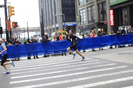 Upploppet på New york half 2012 - drömgränsen på halvmaran plockades (1:29:57)